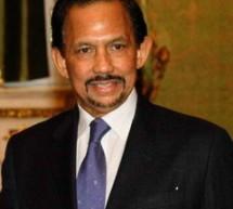 Instauration de la charia dans l'État du Brunei.