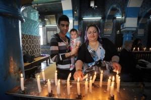 Des juifs tunisiens dans la synagogue de Ghriba en 2013 | Photo : Fethi Belaid (AFP)