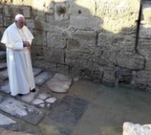 Le pape entame en Jordanie son marathon en Terre sainte
