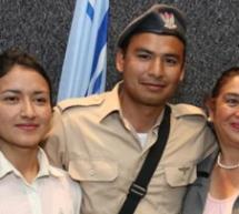 Un soldat juif religieux reçoit la visite surprise de sa mère catholique venue de Colombie