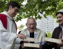 Berlin : un dialogue inter-religieux par la création d'une église-mosquée-synagogue