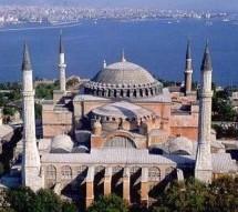 Turquie : ils prient pour que Sainte-Sophie redevienne une mosquée