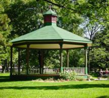 Une Église dans le parc