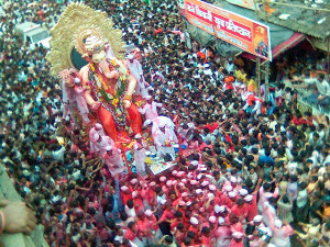 Procession lors de Ganesh Chaturthi