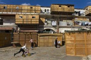 Des souccoth sur des balcons en Israël | Photo : jaime-israel.fr