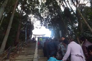 La file d'attente devant un temple shinto au jour du 1er janvier.